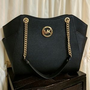 NWT Michael Kors Jet Set Large Chain Leather Tote